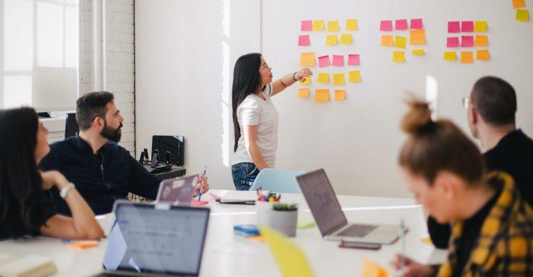 Cómo crear un plan editorial para redes sociales